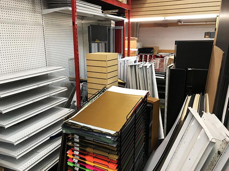 Davinci Art Supply store closes